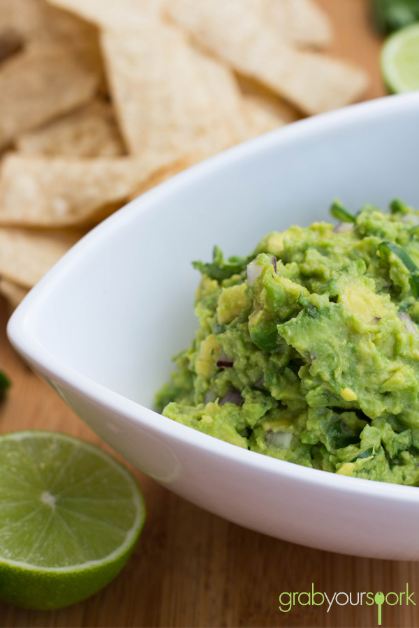 Simple Guacamole Recipe with Corn Chips