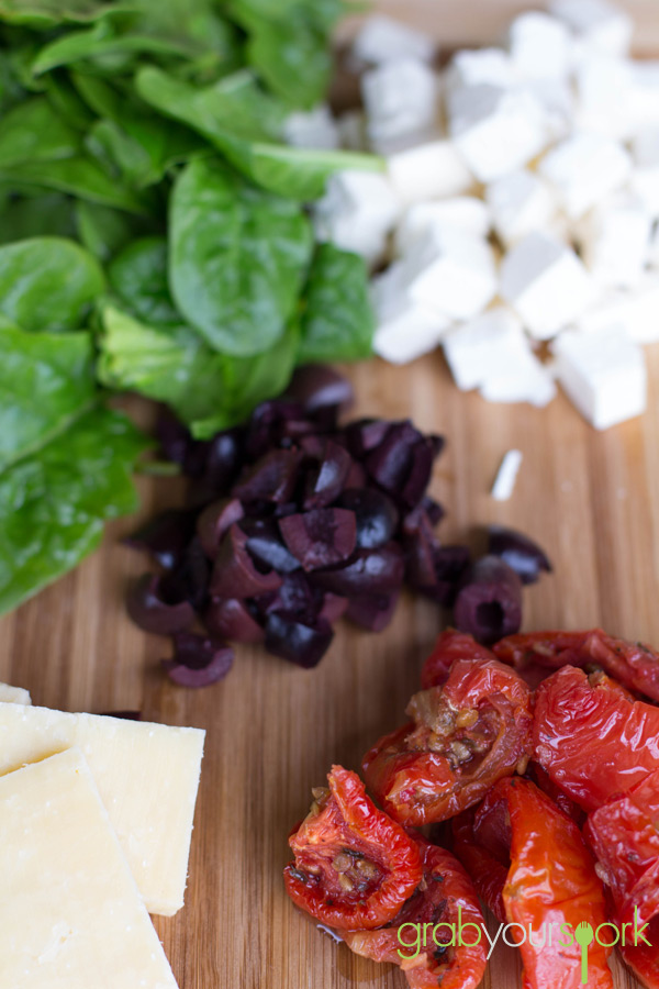 Spinach, Semi Sundried Tomatoes, Feta, Kalamata Olives