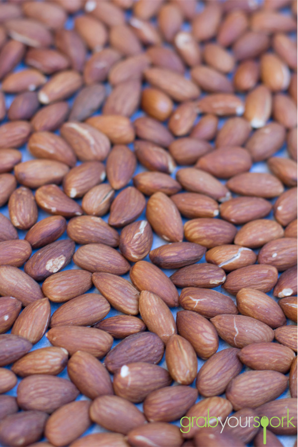 how to cook almonds in oven