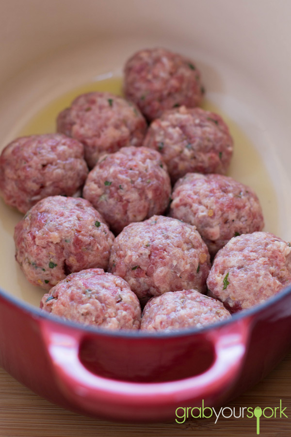 Classic Meatballs in Pan