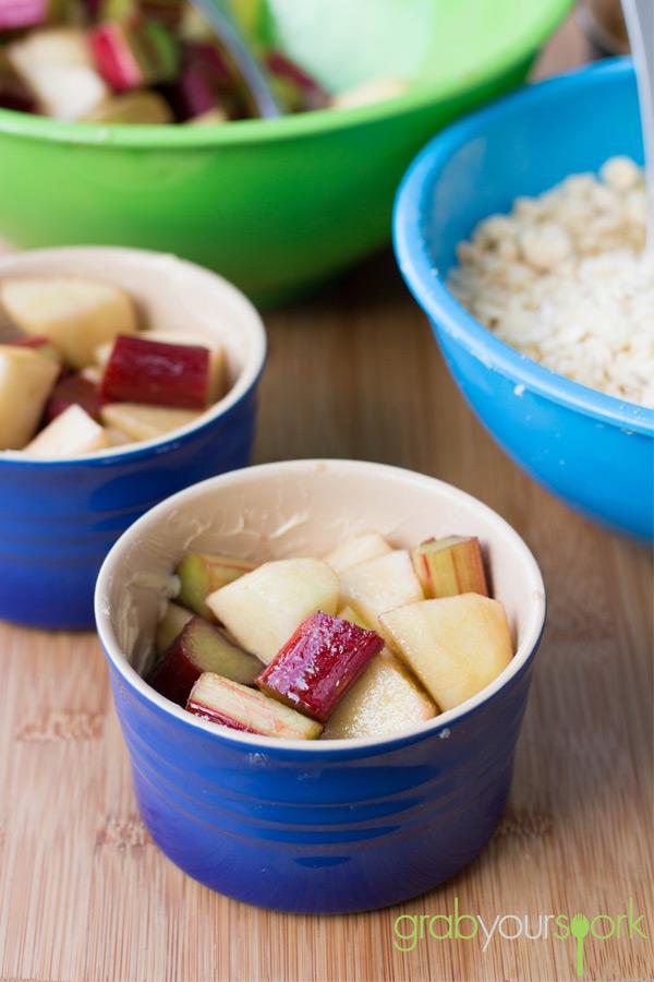 Mini Apple and Rhubarb Crumble