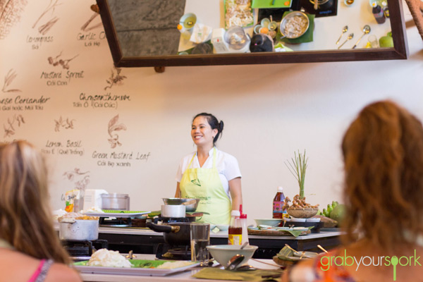 Ms. Lu The Morning Glory Cooking Class