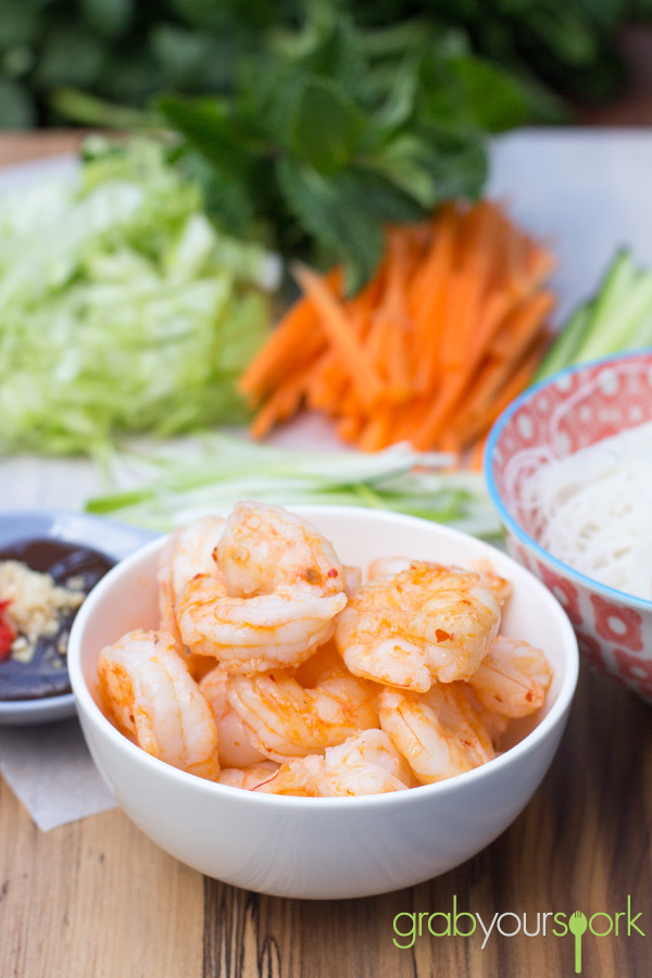 Prawn Rice Paper Rolls with Hoisin Dipping Sauce