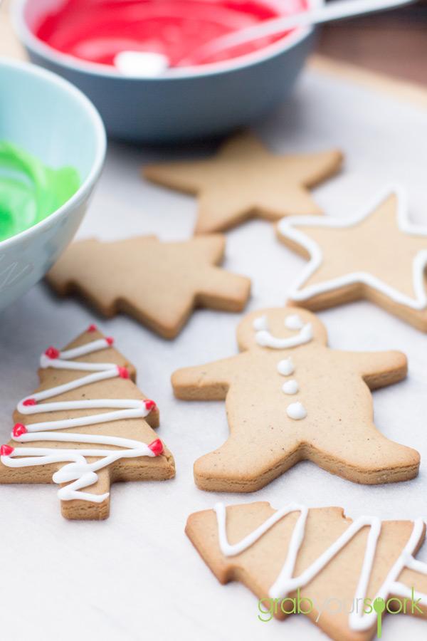 Simple Gingerbread Cookies