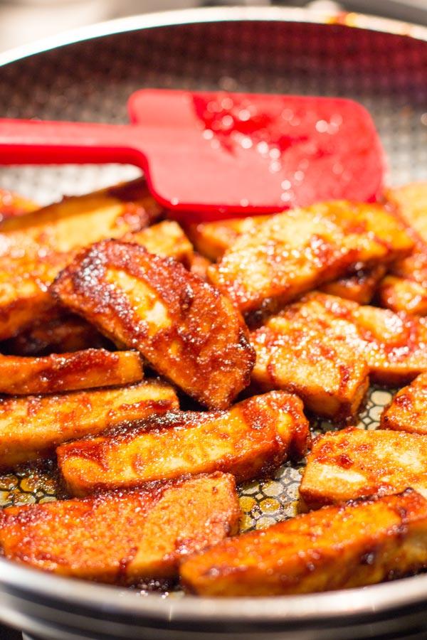 Sriracha tofu vegetarian rice paper rolls