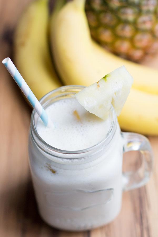 Skinny banana pineapple smoothie with yogurt