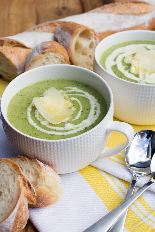 Bowl of Healthy vegetarian zucchini soup recipe